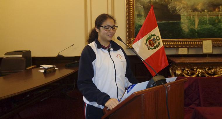 Presentación de nuestros estudiantes en el Congreso de la República